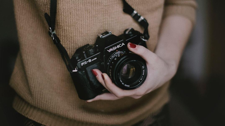 girl, camera, polish, finger